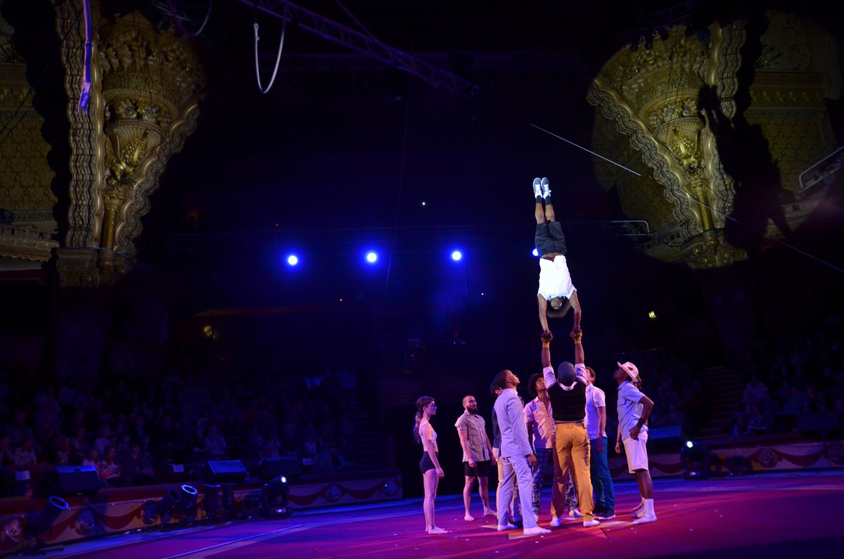 CIRCOLOMBIA 2015 AT SHOWZAM CIRCUS TOWN FESTIVAL BLACKPOOL, UK